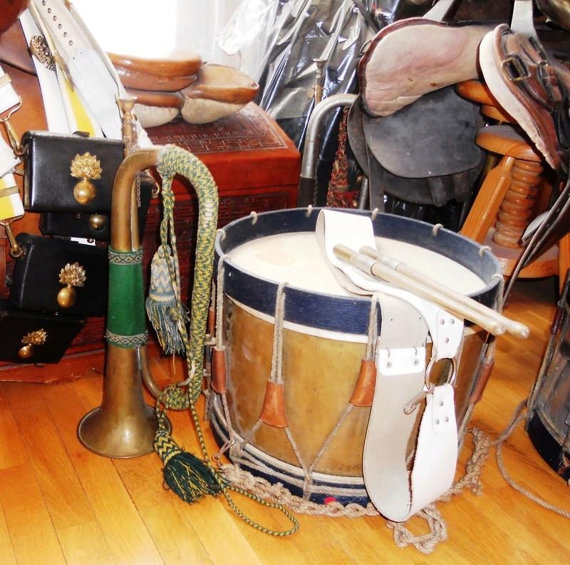 Les instruments de musique : caisses - tambours - clairons - trompettes  - Page 3 Dscn0511