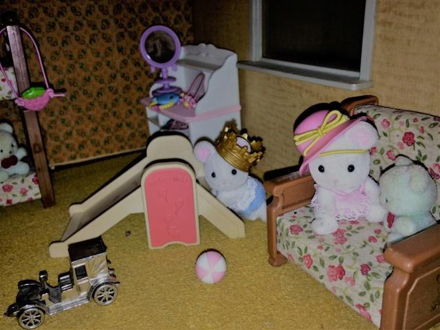 Maison Lundby et autres maisons de poupées de Lilas et Marie... - Page 3 Img_1928