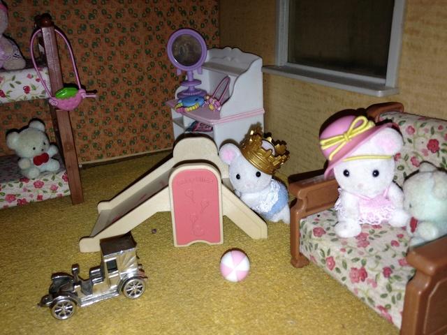 Maison Lundby et autres maisons de poupées de Lilas et Marie... - Page 3 Img_1930