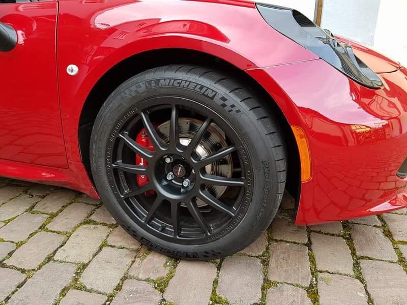 [AVIS] pneus semi slick pour 4C  D6256710