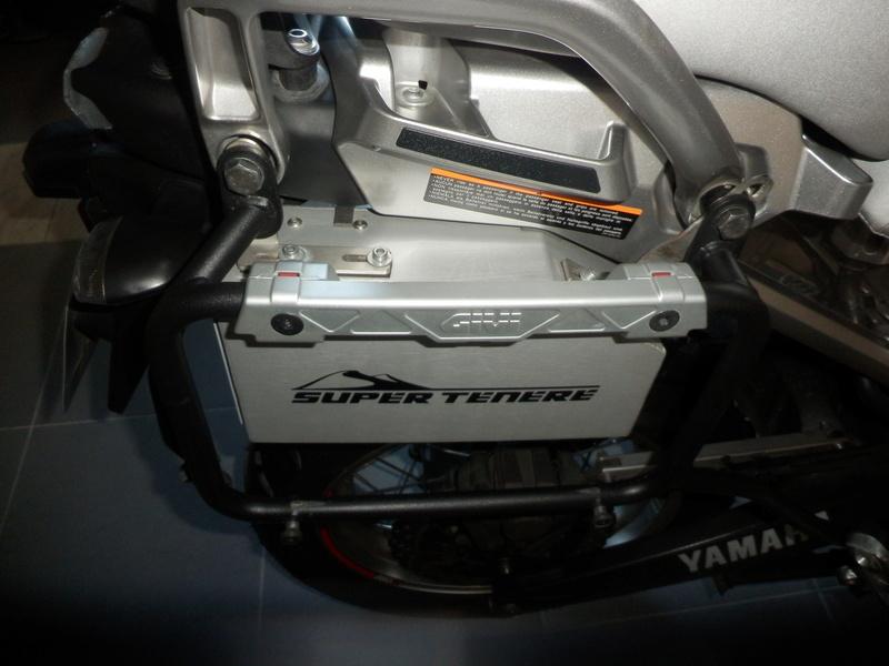boite a outil ds bike 1200 xtz Pc080010