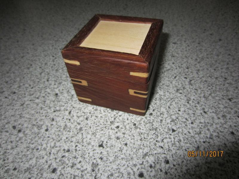 Des boîtes Img_4420
