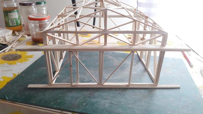 Le cageot devient un hangar, il est fini!!!!! 2420