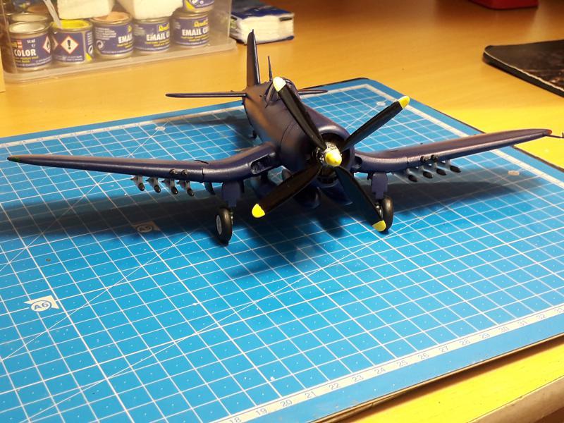 F4U-4 Corsair FINI !!!!!!!!! - Page 3 2828