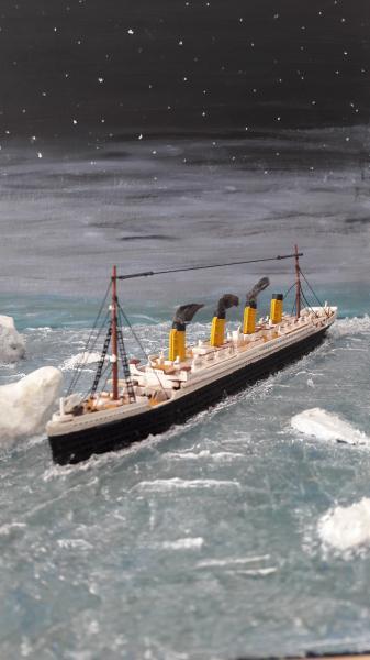 Dio : Le Titanic un peu avant le drame (1/1200°) par antoine17690 3713