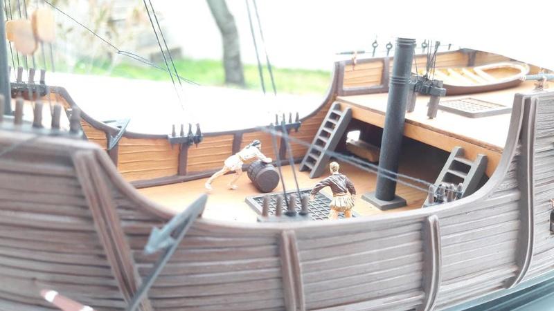 La Santa Maria le bateau est fini !!!!!!! - Page 2 5611