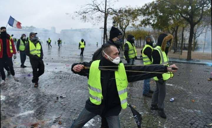 scènes de chaos dans Paris 01 décembre 2018 8110