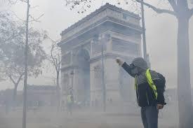 scènes de chaos dans Paris 01 décembre 2018 8910