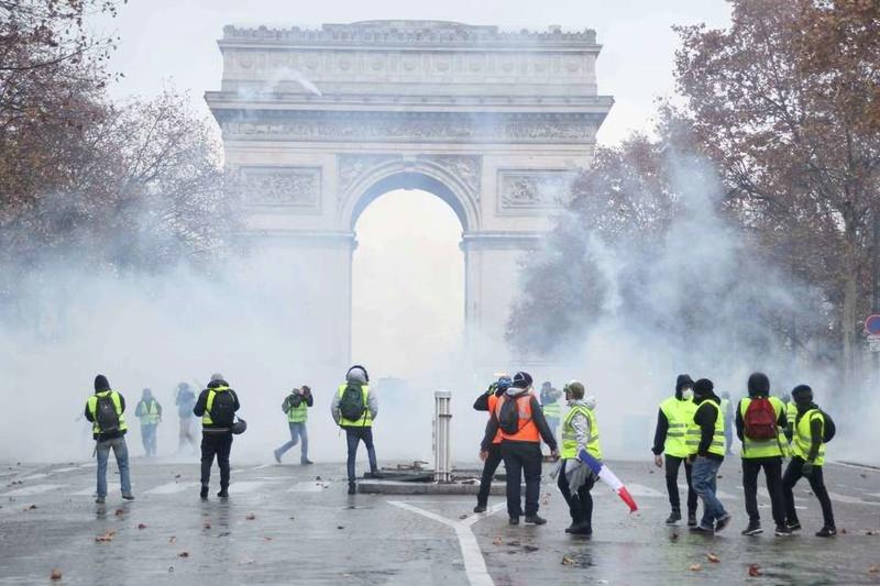 scènes de chaos dans Paris 01 décembre 2018 9110