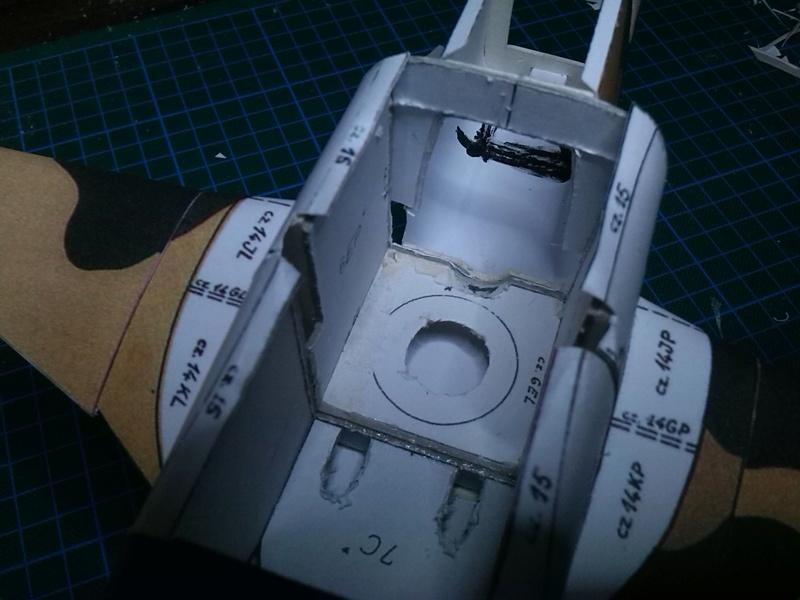 Karton hebt ab, Ka-50 Hobby Model Img_2035