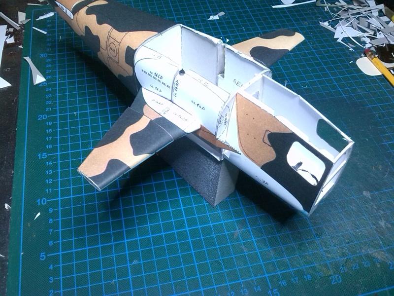 Karton hebt ab, Ka-50 Hobby Model Img_2036