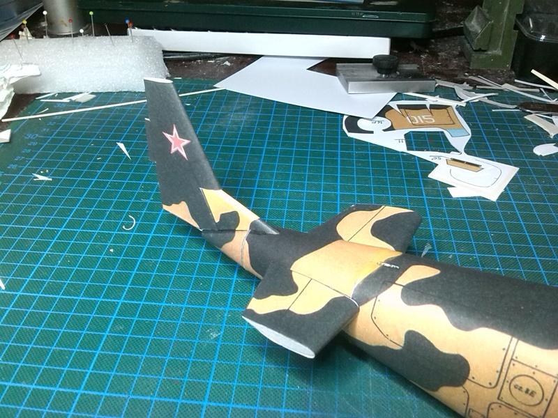 Karton hebt ab, Ka-50 Hobby Model Img_2042