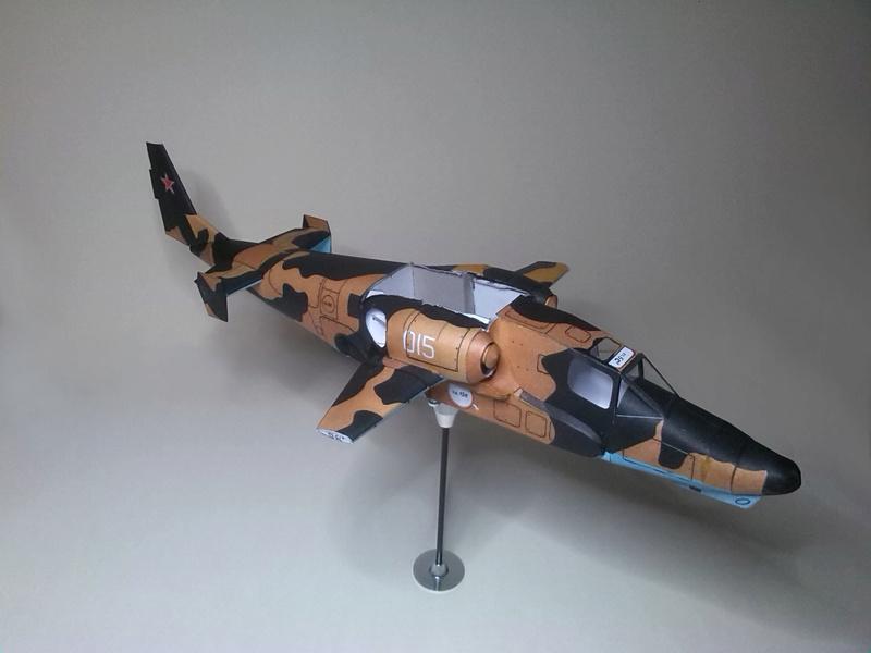 Karton hebt ab, Ka-50 Hobby Model Img_2044