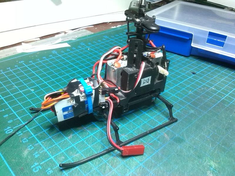 Karton hebt ab, Ka-50 Hobby Model Img_2049