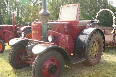 Des tracteurs à la pelle 8d1g8017