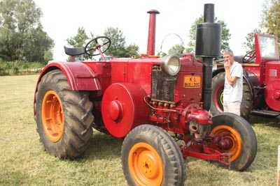 Des tracteurs à la pelle 8d1g8022