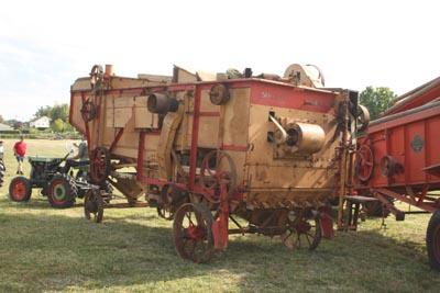 Des tracteurs à la pelle 8d1g8049