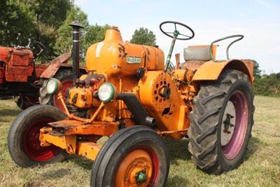Des tracteurs à la pelle 8d1g8122