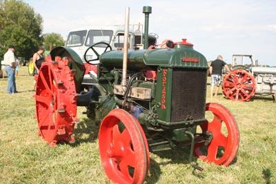Des tracteurs à la pelle 8d1g8123