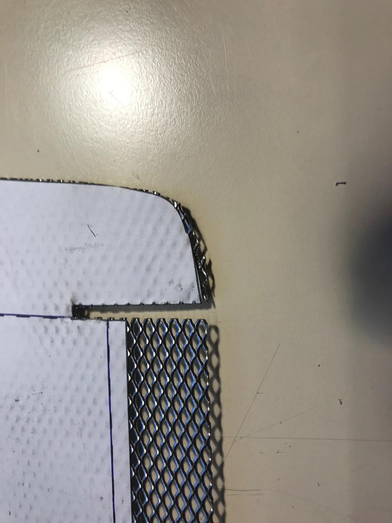 Tuto, grille radiateur d'huile M8 Img_3624