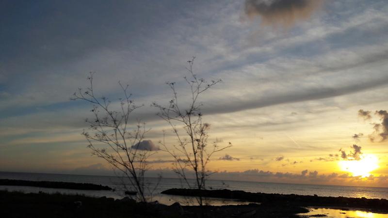 I tramonti più belli hanno bisogno di cieli nuvolosi. (Paulo Coelho)   20181217
