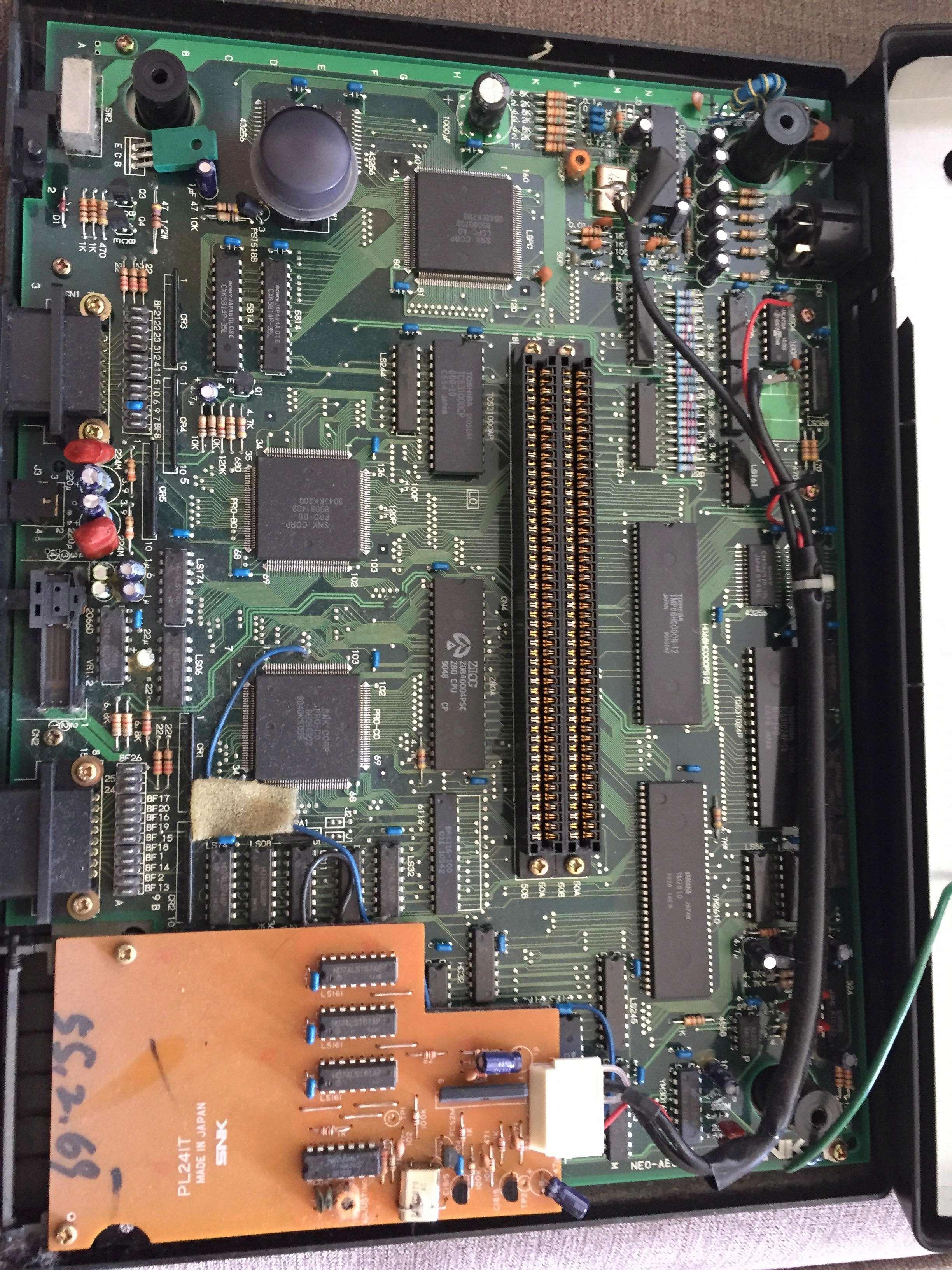 ma console NEO GEO AES que je viens d'acheter ne fonctionne pas à l'aide ! - Page 4 33992910