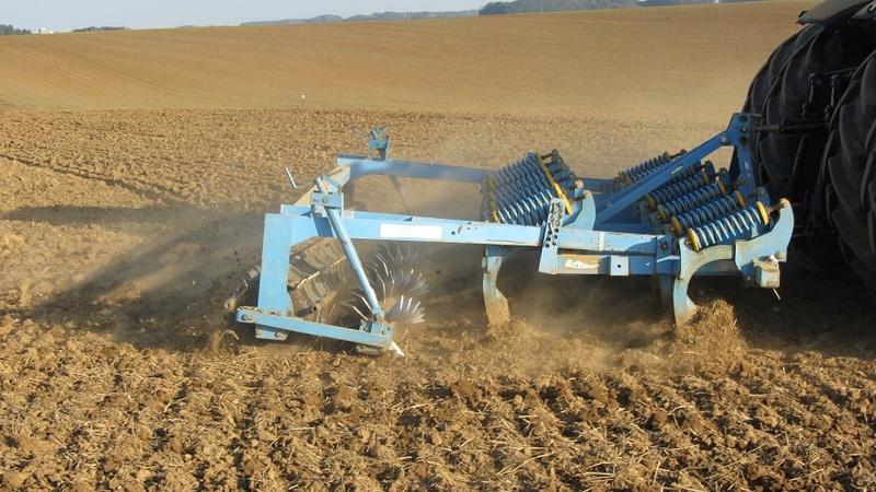 compactage des sols , un décompacteur en prévision pour l'été - Page 2 1125