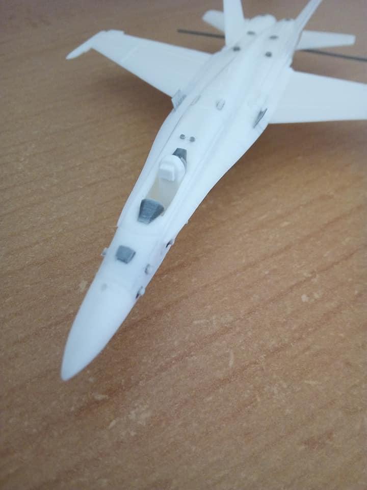 McDONNELL-DOUGLAS F/A 18A HORNET 1/144ème Réf 52312 32169910