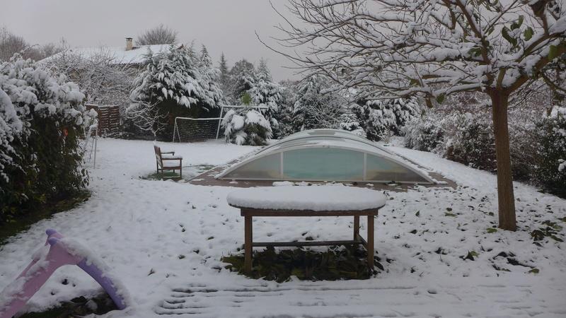 et la neige étend son manteau blanc... P1020010