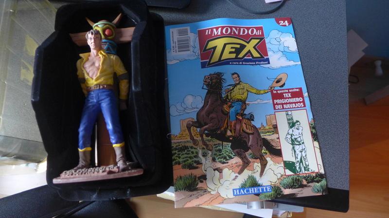 Tex attaché au totem des Navajos + tee shirt 70 ans P1020210