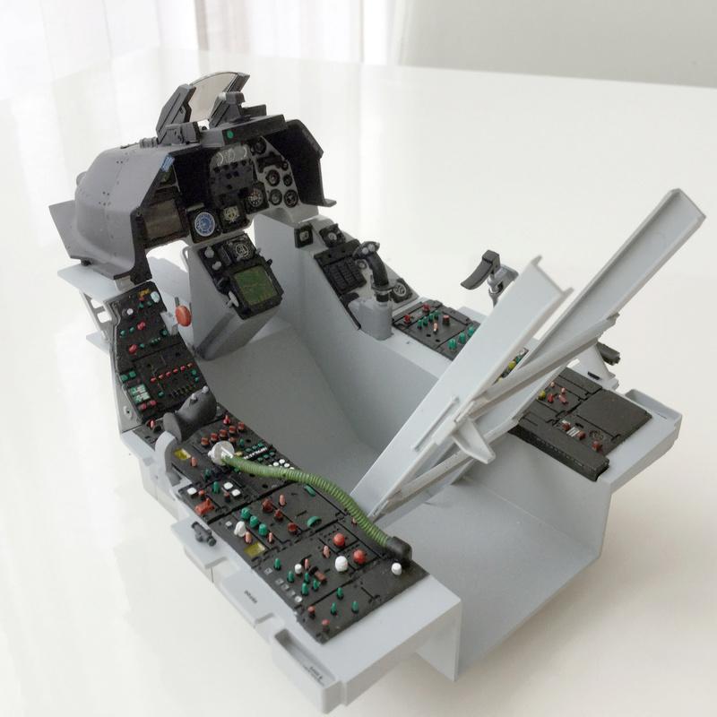 F-16 Cockpit Italeri 1/12 - Page 2 1110