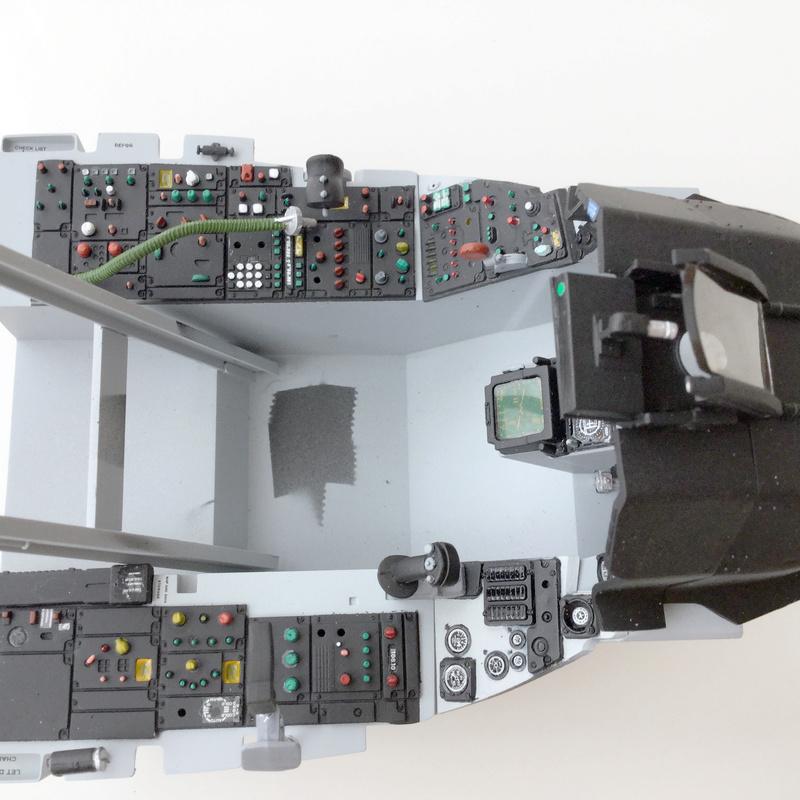 F-16 Cockpit Italeri 1/12 - Page 2 1310