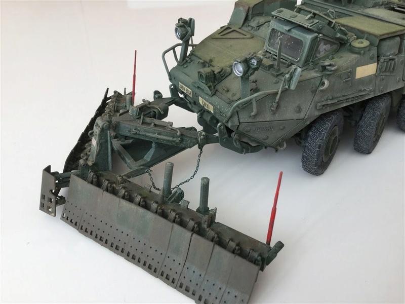 Dio Stryker M1132 Mine roller, M1132 Surface Mine trumpeter et M1126 AFV  1/35 - Page 9 2017-016
