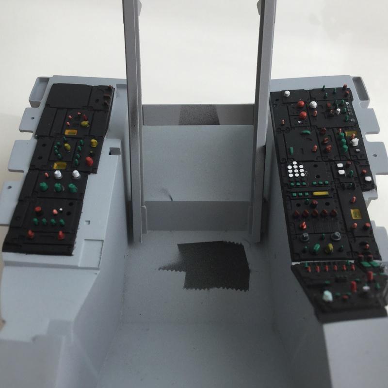 F-16 Cockpit Italeri 1/12 - Page 2 2017-120