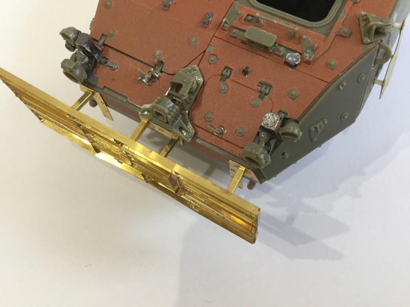 Dio Stryker M1132 Mine roller, M1132 Surface Mine trumpeter et M1126 AFV  1/35 - Page 9 2018-192