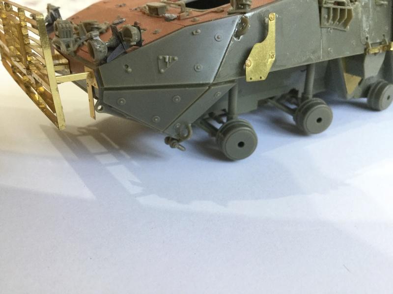 Dio Stryker M1132 Mine roller, M1132 Surface Mine trumpeter et M1126 AFV  1/35 - Page 9 2018-193