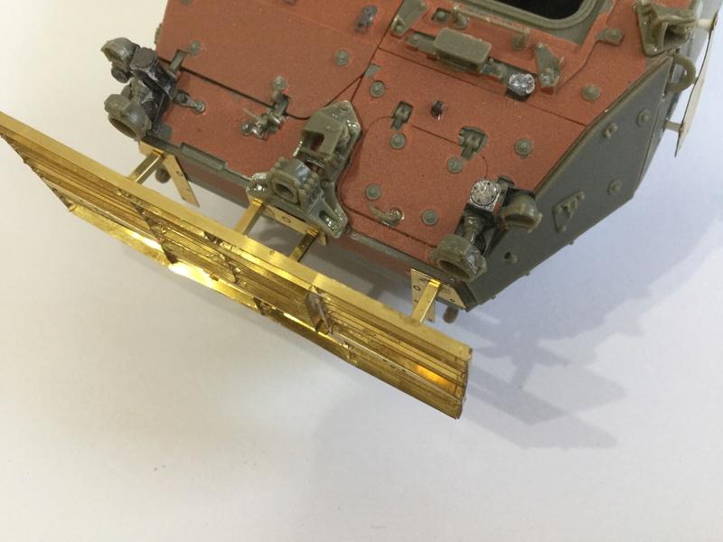 Dio Stryker M1132 Mine roller, M1132 Surface Mine trumpeter et M1126 AFV  1/35 - Page 9 2018-194