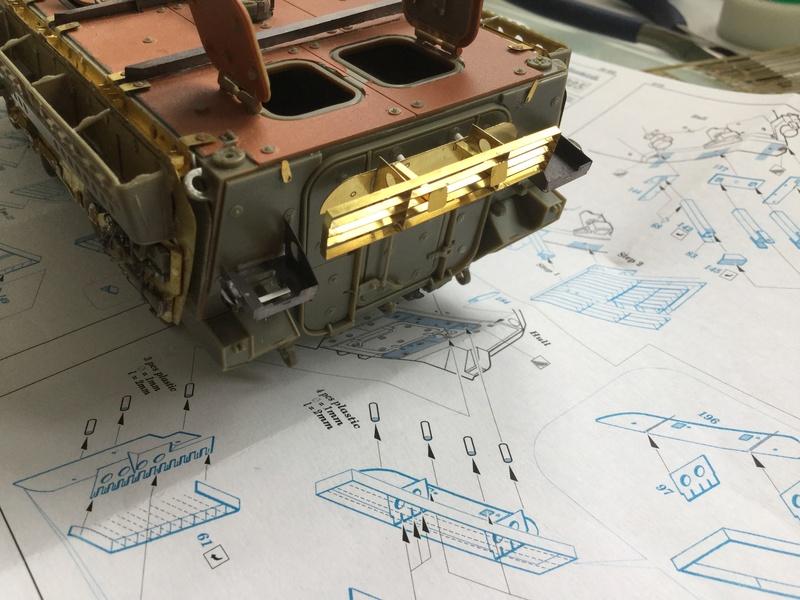 Dio Stryker M1132 Mine roller, M1132 Surface Mine trumpeter et M1126 AFV  1/35 - Page 10 2018-205