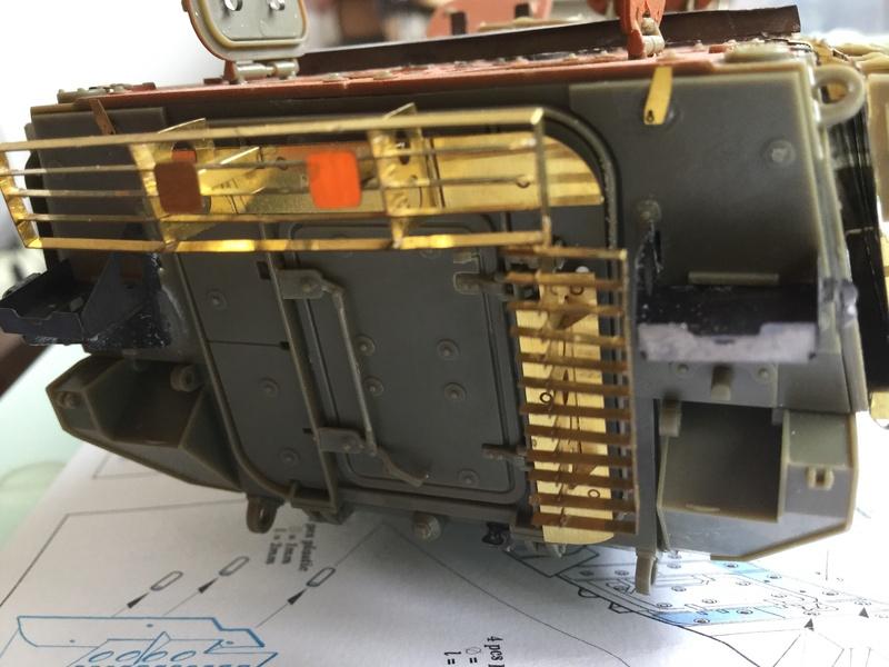 Dio Stryker M1132 Mine roller, M1132 Surface Mine trumpeter et M1126 AFV  1/35 - Page 10 2018-210