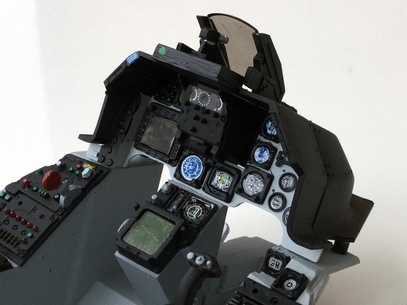 F-16 Cockpit Italeri 1/12 - Page 2 610