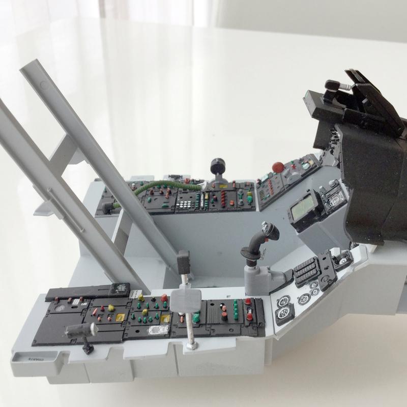 F-16 Cockpit Italeri 1/12 - Page 2 910