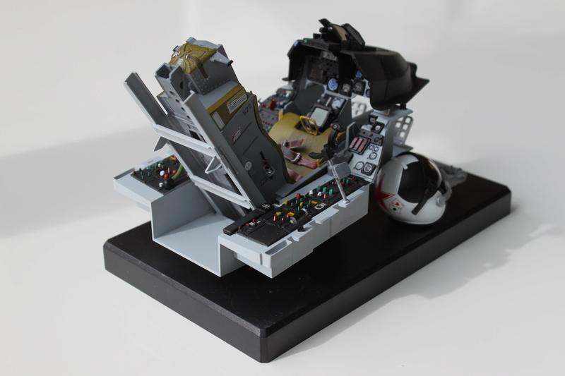 F-16 Cockpit Italeri 1/12 - Page 2 Img_2033