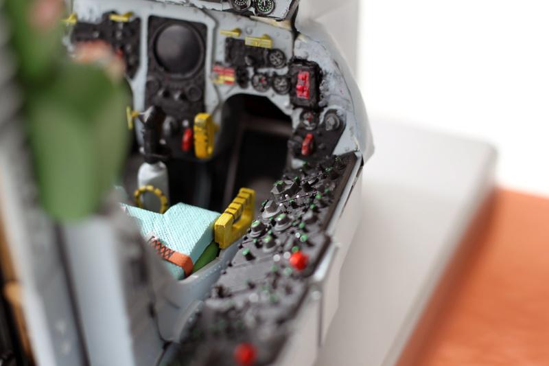 Cockpit F-104 ESCI 1/12 - Page 4 Img_2411