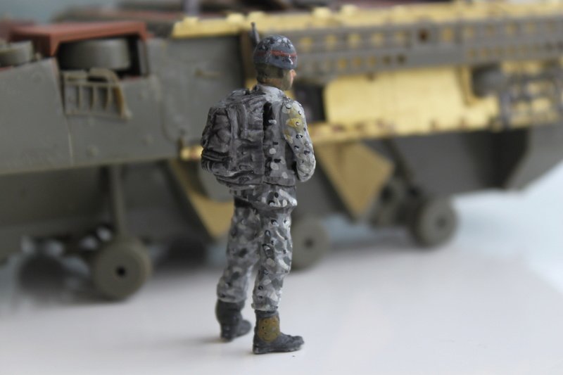 Dio Stryker M1132 Mine roller, M1132 Surface Mine trumpeter et M1126 AFV  1/35 - Page 10 Img_2744