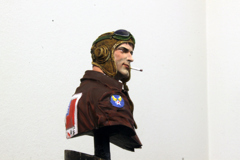 Pilote Flying Tigers Young Miniatures 1/10 Img_2818