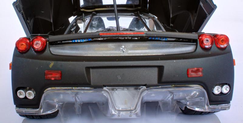 Ferrari Enzo Tamiya 1/24 - Page 2 Img_3415