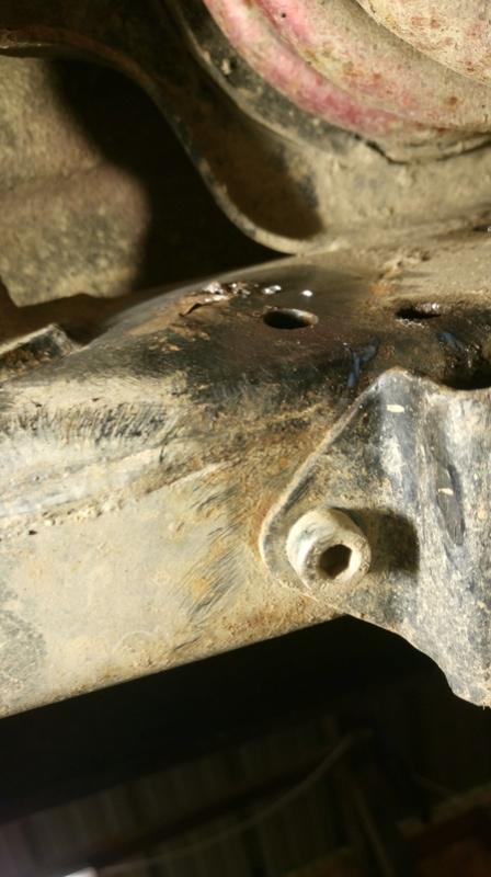 Châssis attaqué Dsc_0211