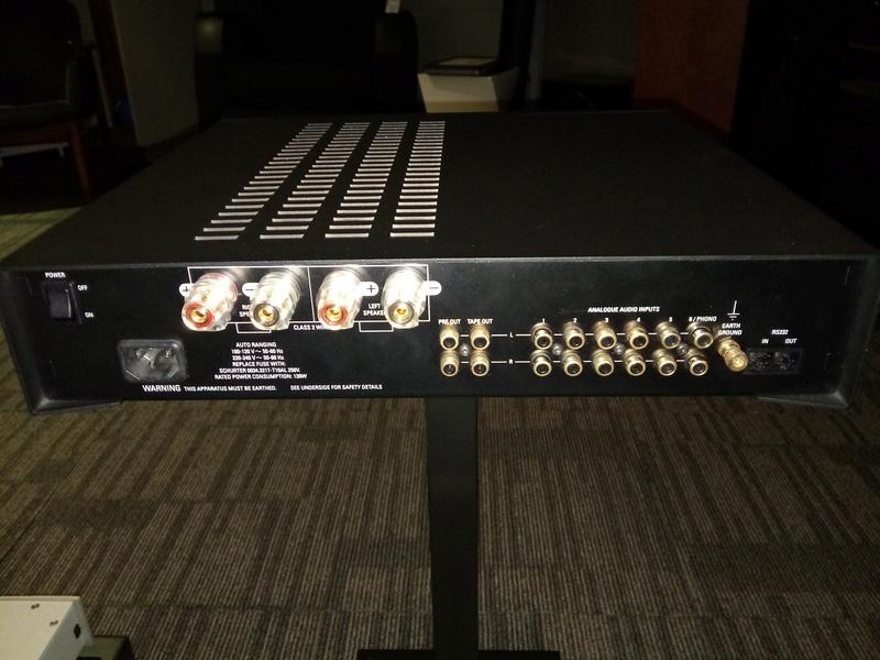 linn majik stereo amplifier with phono input Img_2024
