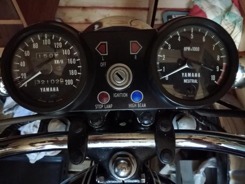 Présentation Yamaha 350 RD 1975 de Philippe - Page 2 Nouvea10