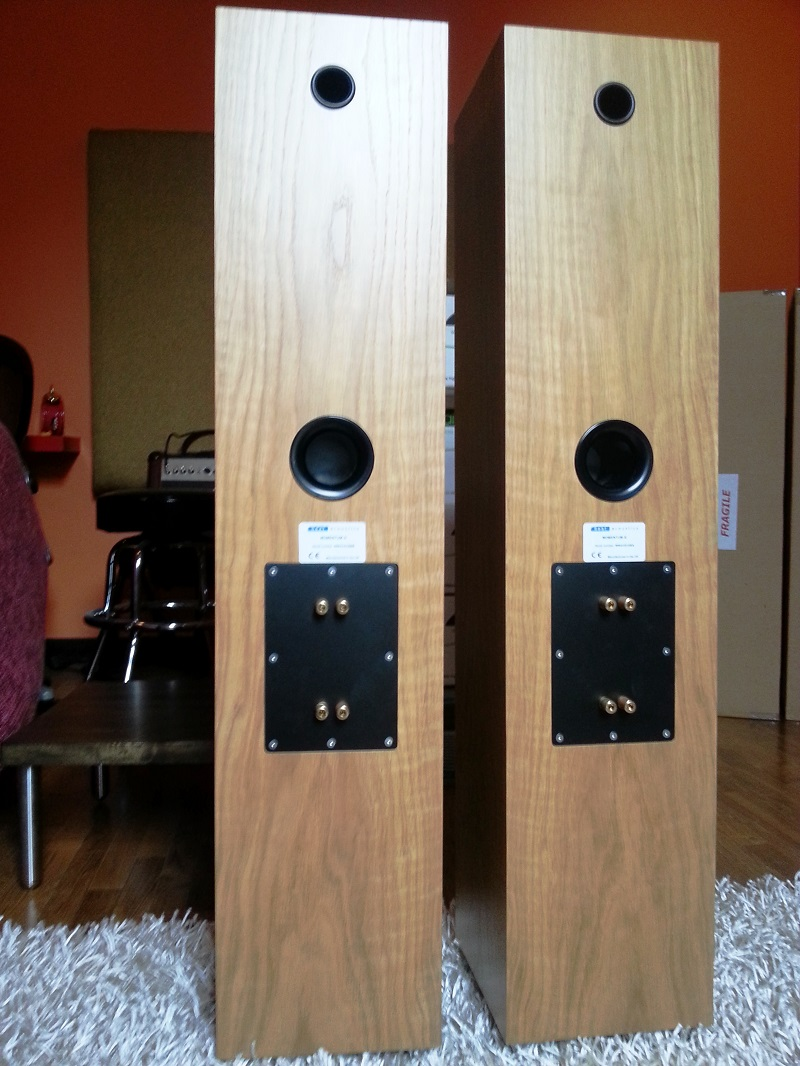 Neat Acoustics Momentum 4i speakers Neatm412